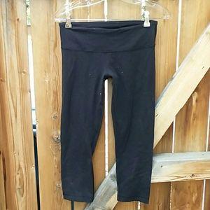 Lululemon cropped black leggings size 6